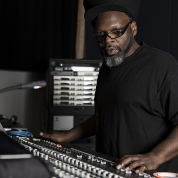 Jazzie B Press Shot Desk