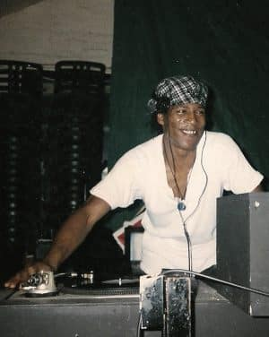 16.Onthedecks_PTA